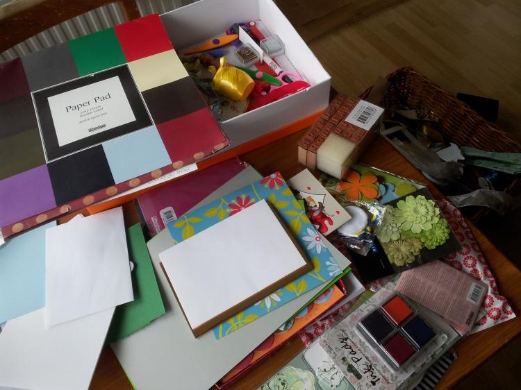 Tids nog kanske jag får ordning på mina pysselsaker. Det är samma visa varje gång, organisering innan kreativiteten kan flöda.