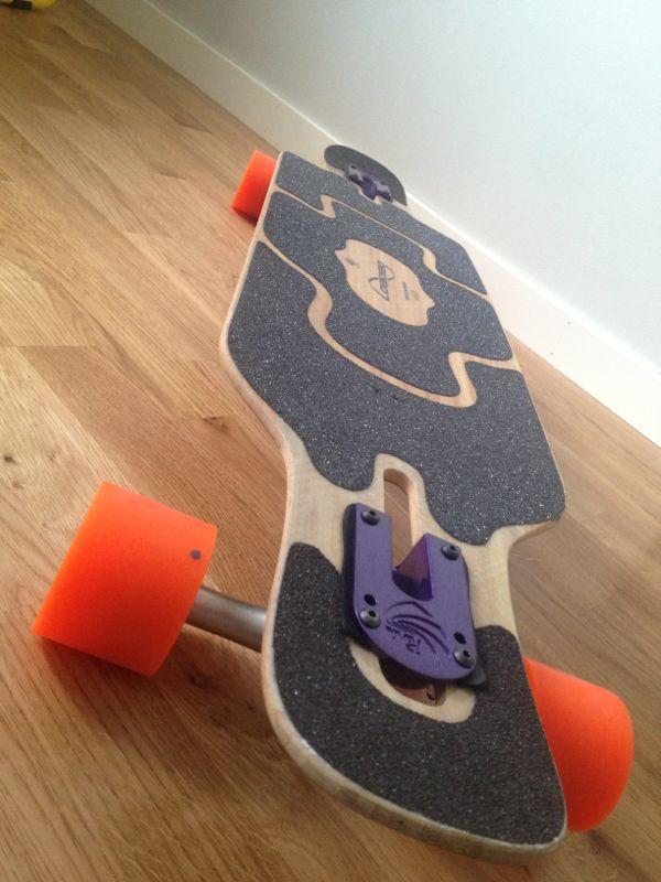 Här är den, kvällens snygga longboard.