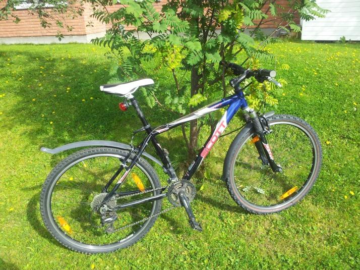 Det får bli den pålitliga cykeln ett tag. Den är äldre än min bil men fungerar betydligt bättre!