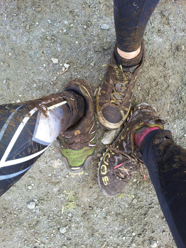 Våra skor och ben var rejält smutsiga efter loppet. Precis som sig bör efter en stund på fjället.